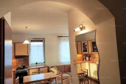 Eladó 2+1 szobás lakás Győr
