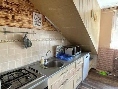 Dunaújvárosi eladó lakás, 3 szobás, 76 négyzetméteres