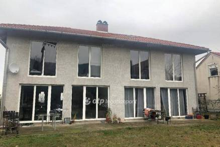 Családi ház eladó Budapest, 620 négyzetméteres