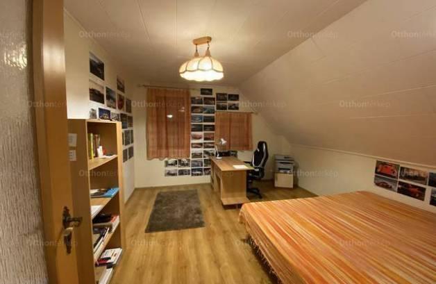 Eladó családi ház Szekszárd, 5 szobás