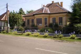 Tarnaméra, Árpád utca