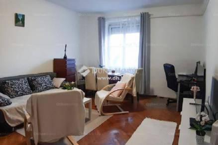 Veszprémi eladó lakás, 2 szobás, 52 négyzetméteres