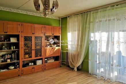 Veszprémi lakás eladó, 54 négyzetméteres, 2 szobás