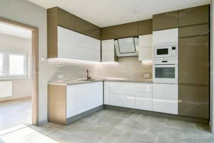 Egeri kiadó lakás, 4 szobás, 104 négyzetméteres