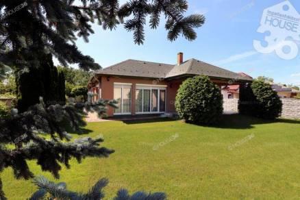 Családi ház eladó Szeged, 195 négyzetméteres