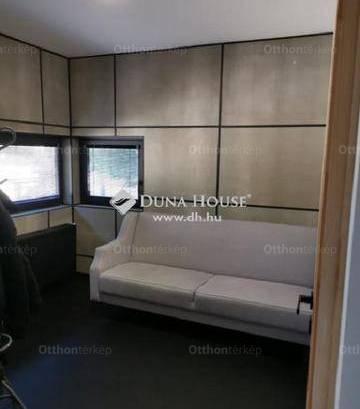 Eladó családi ház, Székesfehérvár, 4 szobás