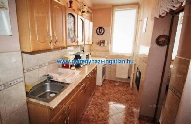 Eladó lakás, Nyíregyháza, 1+2 szobás