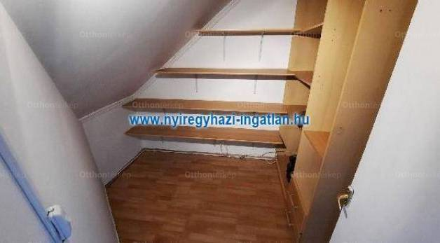 Nyíregyházai eladó lakás, 1+1 szobás, 65 négyzetméteres