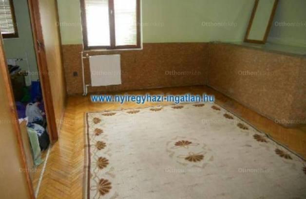 Nyíregyházai eladó családi ház, 5 szobás, 140 négyzetméteres