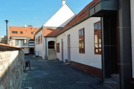 Soproni lakás eladó, 38 négyzetméteres, 2 szobás