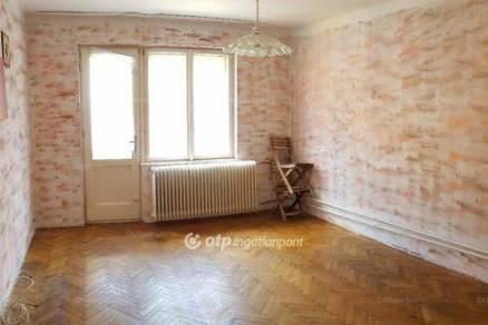 Soproni lakás eladó, 55 négyzetméteres, 2 szobás