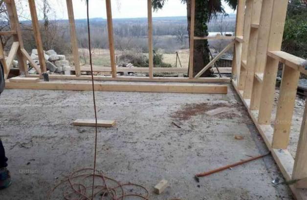 Martonvásári családi ház eladó, 80 négyzetméteres, 4 szobás