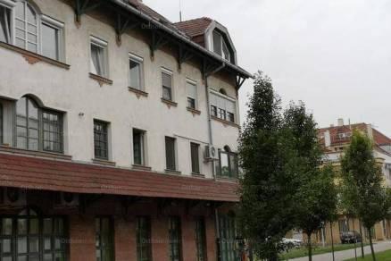Eladó lakás, Békéscsaba, 3 szobás