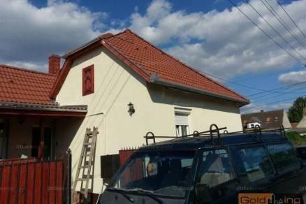 Győri ház eladó, 80 négyzetméteres, 3 szobás