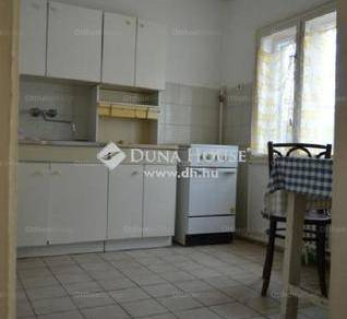 Eladó családi ház, Karcag, 6 szobás