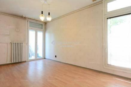 Eladó lakás Kecskemét, 4 szobás