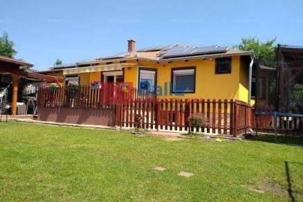 Mogyoródi eladó családi ház, 3+1 szobás, 136 négyzetméteres