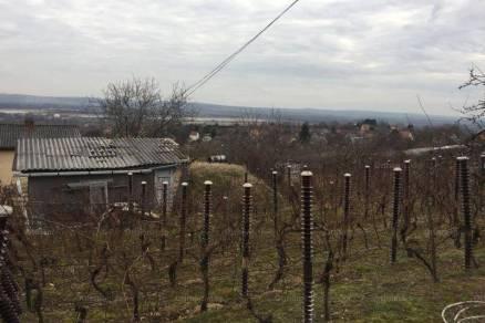 Telek eladó Pécs, 840 négyzetméteres