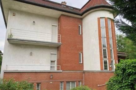 Eladó családi ház Budapest, 9 szobás