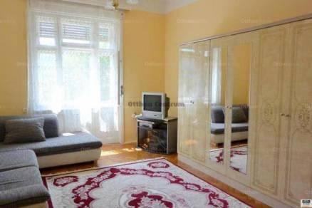 Budapesti eladó családi ház, 9 szobás, 300 négyzetméteres