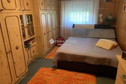 Tatabánya családi ház eladó, 1 szobás