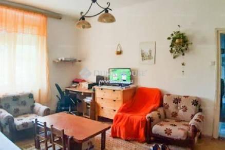 Eladó lakás Veszprém, 2+1 szobás