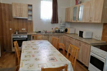 Kiadó 7 szobás családi ház Tata