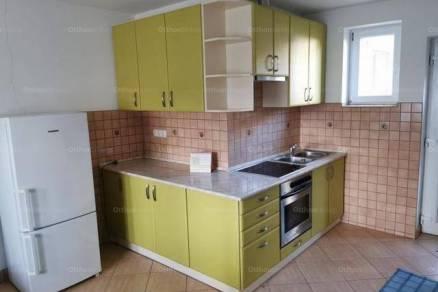 Pécsi lakás kiadó, 33 négyzetméteres, 1+1 szobás
