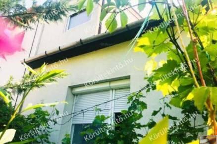 Budapesti eladó ikerház, 5 szobás, 100 négyzetméteres