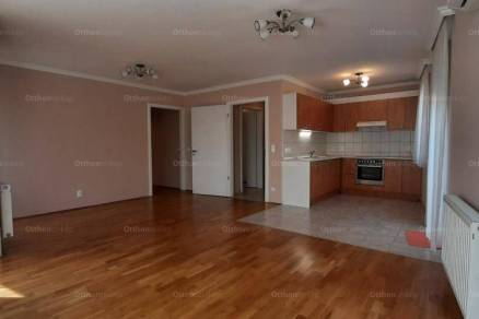 Kecskeméti lakás kiadó, 81 négyzetméteres, 3 szobás