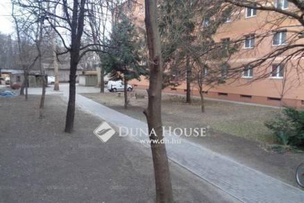 Eladó családi ház Dunaújváros, 5 szobás
