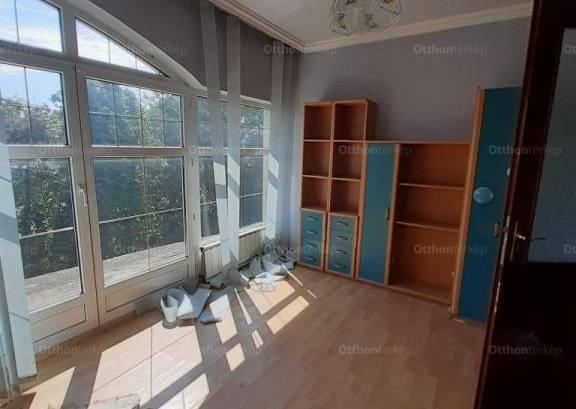 Eladó 6+2 szobás családi ház Fót