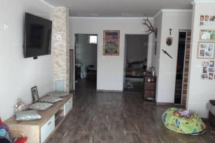 Dunaújvárosi eladó családi ház, 3 szobás, 115 négyzetméteres