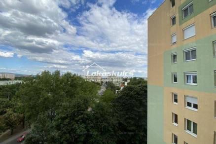 Veszprémi lakás kiadó, 42 négyzetméteres, 1+1 szobás