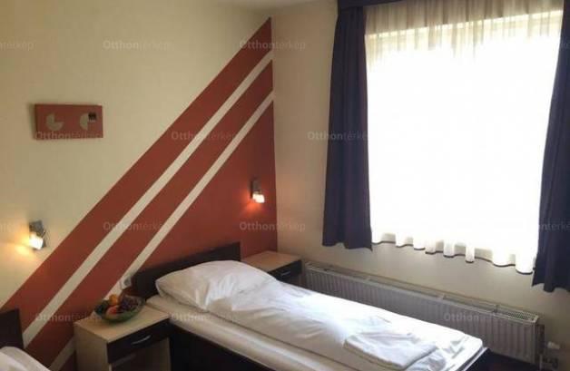 Kiadó albérlet, Pécs, 1 szobás