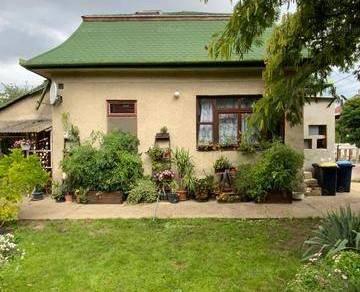 Eladó családi ház Budapest, 2+1 szobás