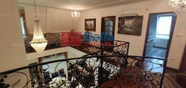 Eladó 7 szobás családi ház Budapest