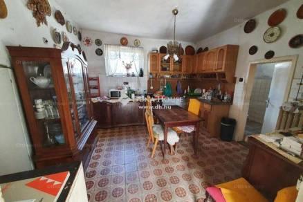 Budapest 3 szobás családi ház eladó