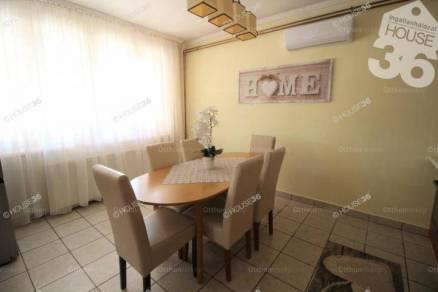 Tiszaalpári családi ház eladó, 67 négyzetméteres, 2 szobás