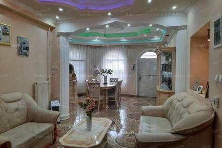 Lakás eladó Békéscsaba, 170 négyzetméteres