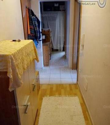 Eladó, Táborfalva, 2 szobás