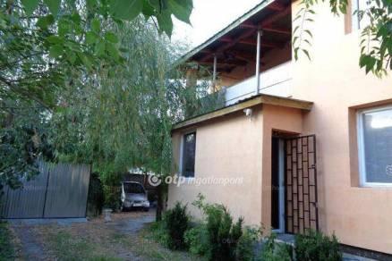 Családi ház eladó Budapest, 200 négyzetméteres