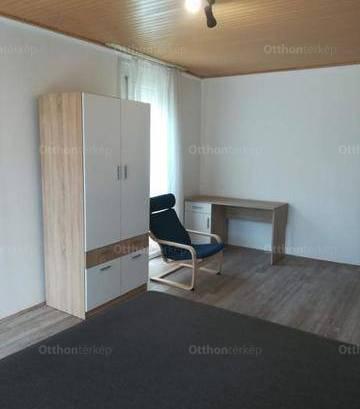 Kiadó 3 szobás lakás Pécs