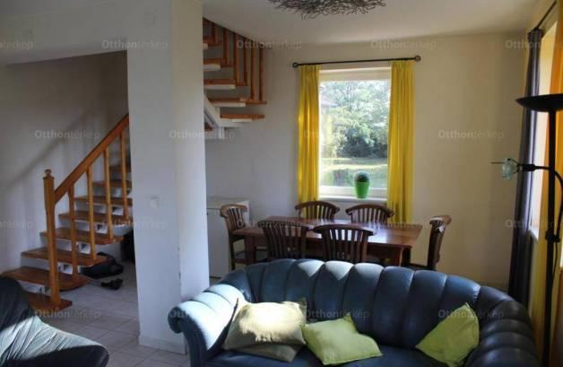 Eladó családi ház Fertőd, 8 szobás