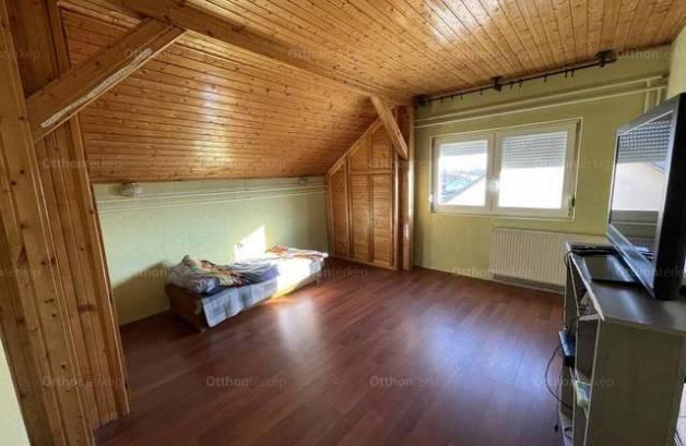 Eladó családi ház, Lakitelek, 6 szobás