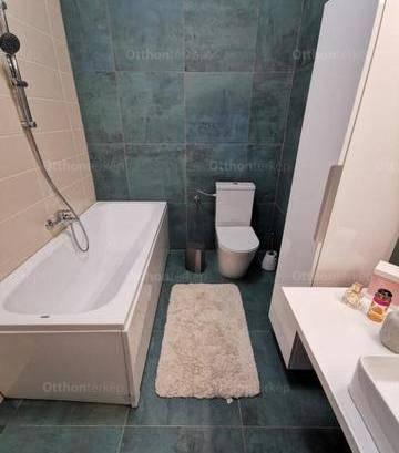 Pécsi eladó lakás, 3 szobás, 119 négyzetméteres