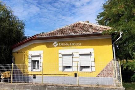 Tiszakécske családi ház eladó, 2+1 szobás