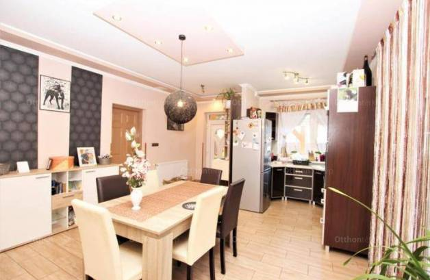 Debreceni családi ház eladó, 83 négyzetméteres, 2 szobás