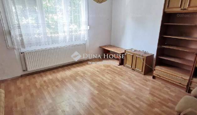 Kecskeméti lakás eladó, 37 négyzetméteres, 1 szobás