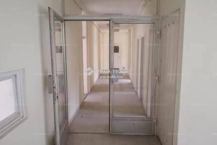Zalaegerszegi eladó házrész, 7 szobás, 788 négyzetméteres